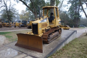 2003 Caterpillar D3G XL